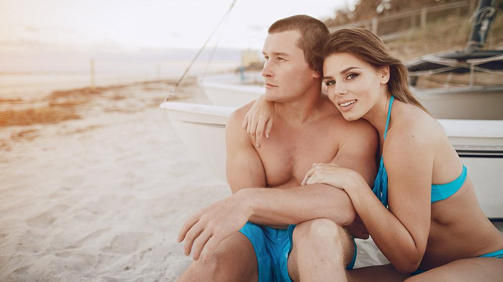 W czym na plażę?  Czyli niezbędnik plażowy każdego mężczyzny!